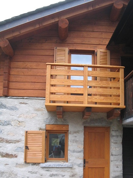 Scale parapetti e balconi di artigianalegno - Scale prefabbricate in legno per esterno ...