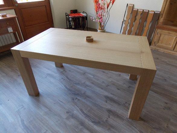 Tavoli e sedie dell 39 artigianalegno - Affitto tavoli e sedie ...